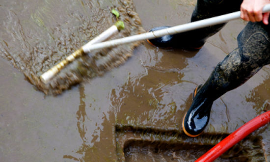 Cleaning_Up_Contaminated_Flood_Waters2